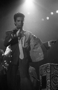 Prince performing in Brussels during the Hit N Run Tour in 1986 (Foto: Yves Lorson from Kapellen, Belgium / This file is licensed under the Creative Commons Attribution 2.0 Generic license. / http://bit.ly/1SDclFm