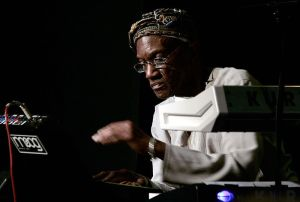 Bernie Worrell in 2009 - concert with SociaLibrium at the jazz club Porgy & Bess in Vienna (Photo: Manfred Werner/Tsui. This file is licensed under the Creative Commons Attribution-Share Alike 3.0 Unported license)